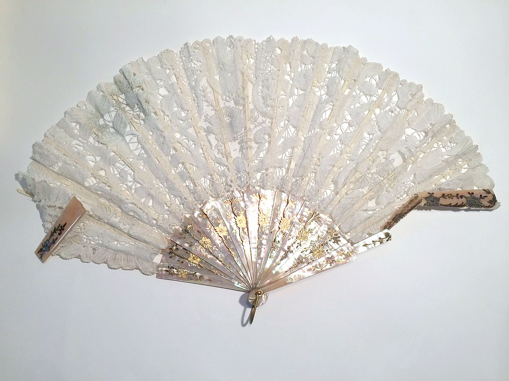 Mother Of Pearl before conservation
